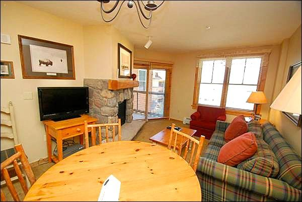 Relax by the Gas Fireplace in the Living Area - Incredible Mountain Views - Centrally Located (7011) - Keystone - rentals