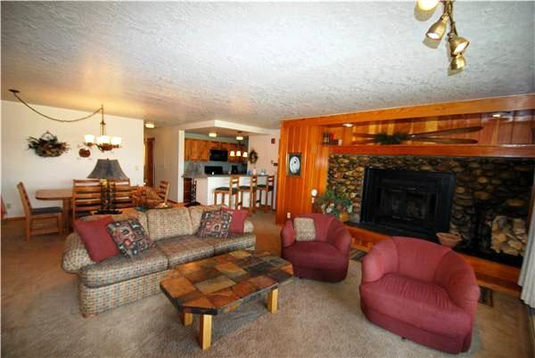 Ornate Living Room - Incredible Mountain Views - Recently Updated (7044) - Keystone - rentals
