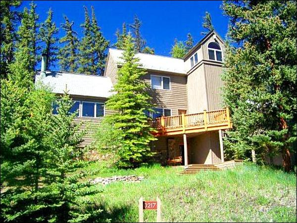 4 Bedroom Home Just a Short Drive from the Slopes - Breathtaking Mountain Views - Vaulted Ceilings and Oversized Windows (7087) - Keystone - rentals