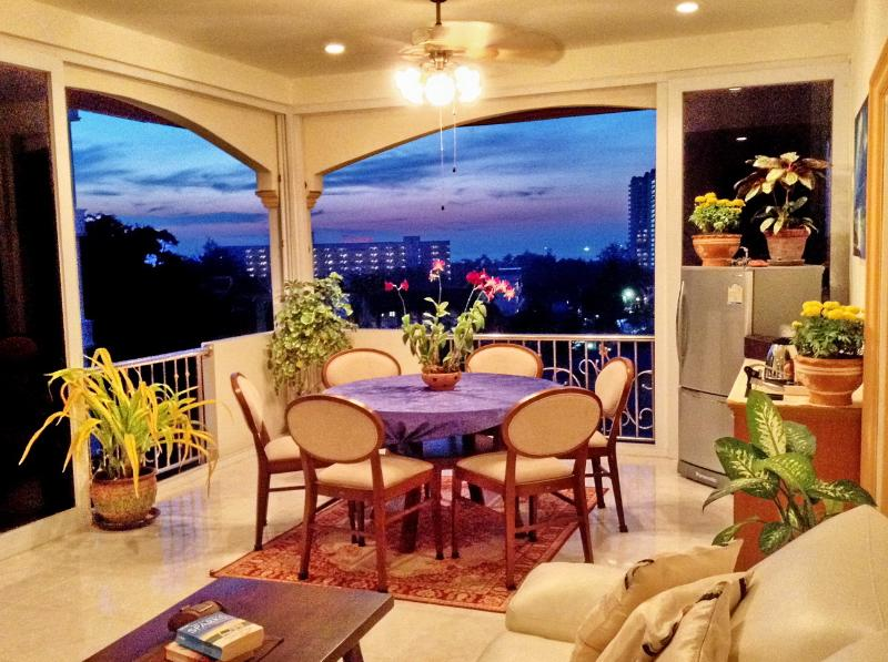 Two Double Bedroom Suite in OASIS Villa - Two Bedroom Suite with Ocean View in OASIS Villa - Karon - rentals