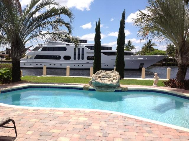 Waterfront,Luxury House, pool, walk to the beach - Image 1 - Lauderdale by the Sea - rentals