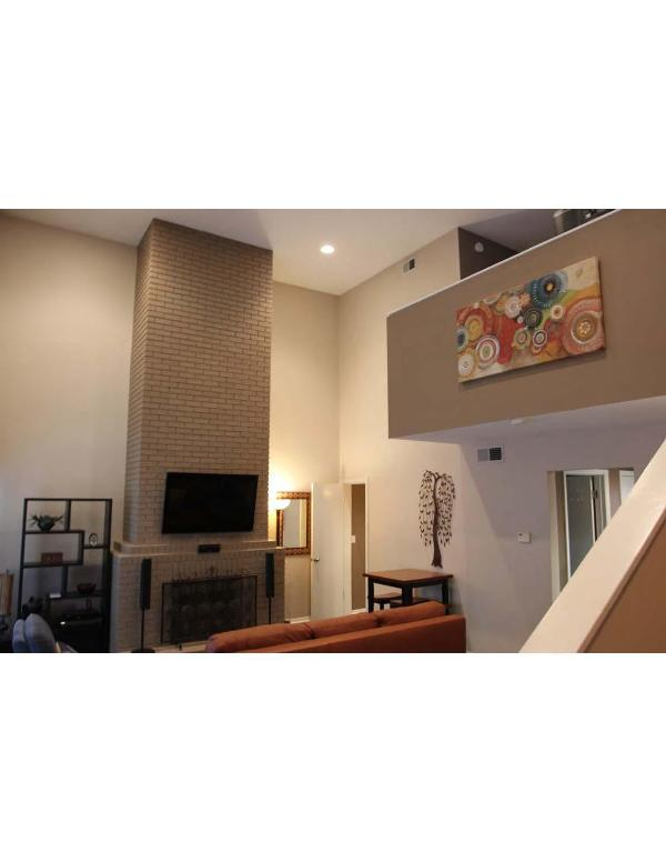 Great Room with 16' Ceilings  - Austin Downtown West 6th Street Luxury Condo - Austin - rentals