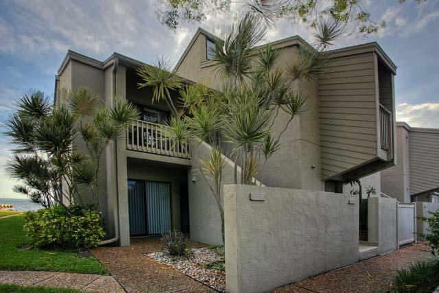 Exterior Front - The Banyan Bay Club Condo - Longboat Key - rentals