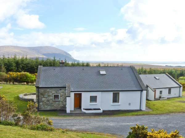 SLIEVEMORE COTTAGE, single storey pet friendly cottage with sea views, open fire, garden Achill Island Ref 12474 - Image 1 - Achill Island - rentals