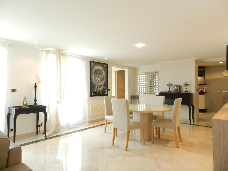 The open living/dining room - Modern Madeleine 2BR Apartment - 6th Arrondissement Luxembourg - rentals