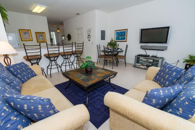 Windsor Hills Townhome, end unit/South facing pool - Image 1 - Kissimmee - rentals