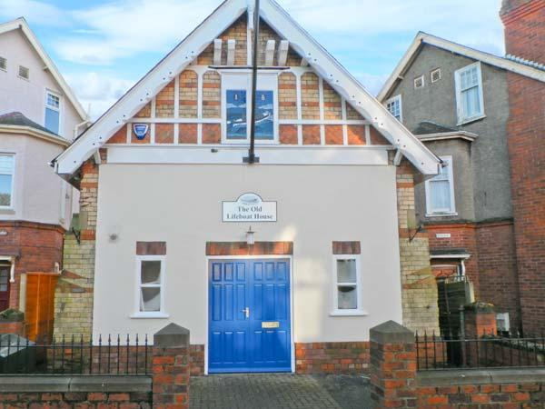 THE OLD LIFEBOAT HOUSE, unique property, enclosed patio, walking distance to beach, in Hornsea, Ref 19846 - Image 1 - Hornsea - rentals