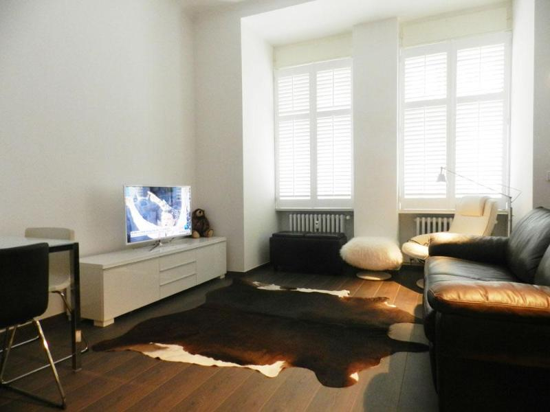 Sitting room with SMART (Internet) TV - Charlottenburg Lodge - Berlin - rentals