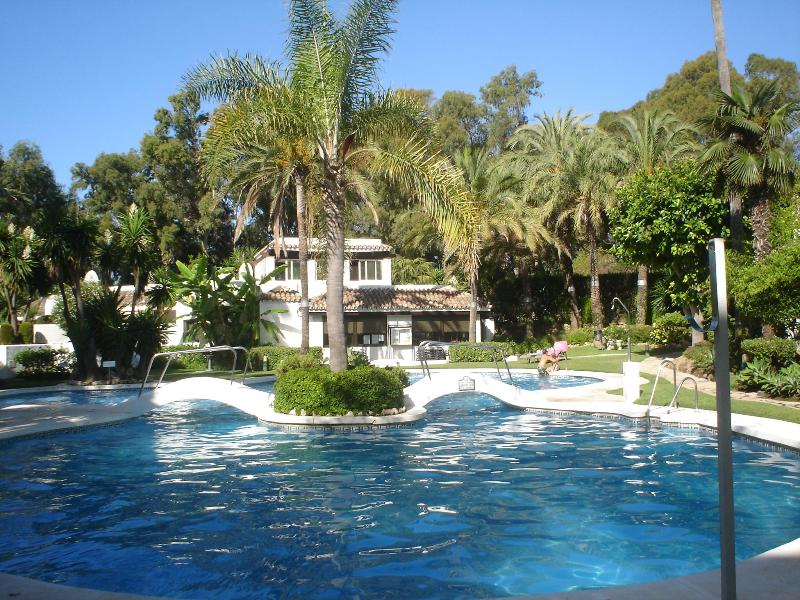 Main Pool - Beachside Penthouse in Marbella  Golden Beach - Elviria - rentals