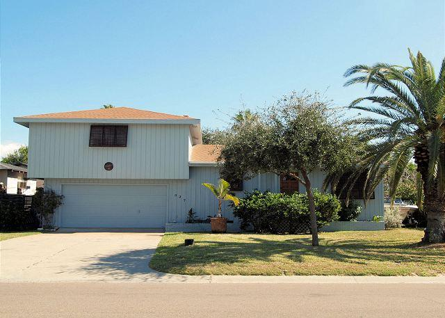 Spacious 5 bedroom 2 bath home in the heart of Port Aransas! - Image 1 - Port Aransas - rentals