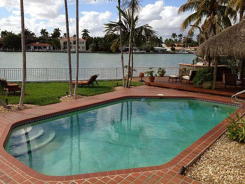 5BR/3.5BA Waterfront Villa for 14 - N. Bay Village - Image 1 - Miami Beach - rentals