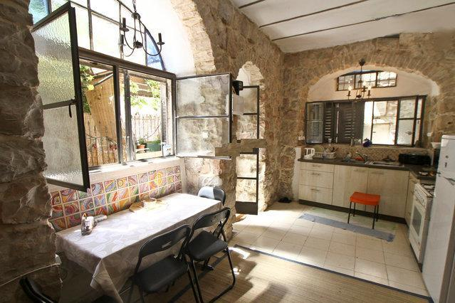 Authentic Studio Apartment in Nachlaot - Image 1 - Jerusalem - rentals