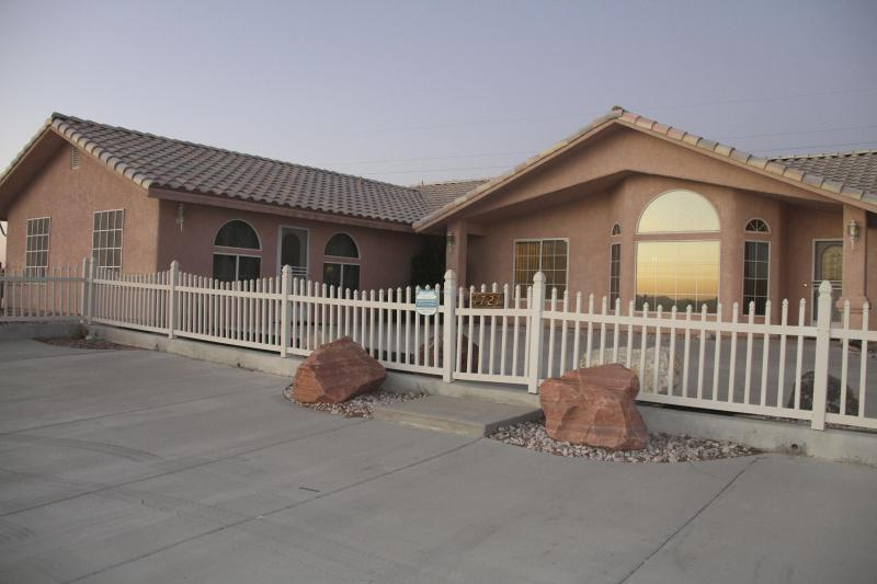 Beautiful Pahrump Home - Image 1 - Pahrump - rentals