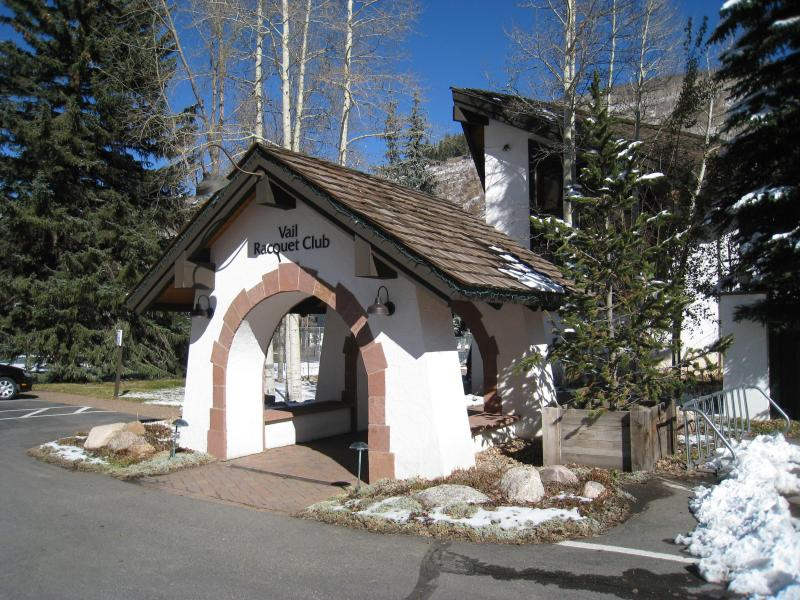 Enjoy the beautiful Vail Racquet Club - Perfect Little Ski Condo -  1 Bedroom In East Vail - Vail - rentals