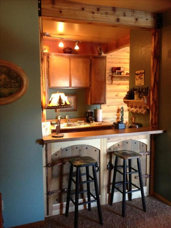 Condo with Log Cabin Feel! Beautiful Views, Quiet Setting! - Image 1 - Brian Head - rentals