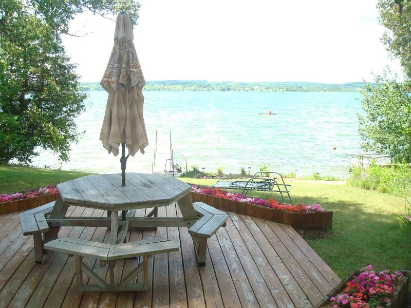 Luxury Lake Leelanau Lakefront Home sleeps 12 - Image 1 - Traverse City - rentals