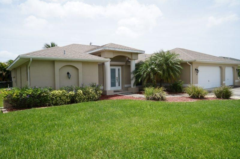 Villa Lilah - Cape Coral 3b/2ba Offwater Home, Electric Heated Pool, WHS Internet, - Image 1 - Cape Coral - rentals