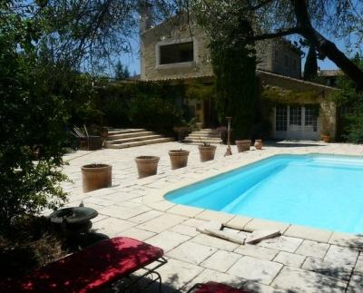 CHARMING COTTAGE IN THE HEART OF THE PROVENCE - Image 1 - Robion - rentals