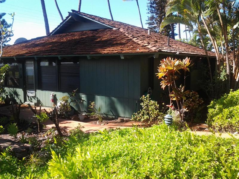 Cottage 13 at ICC - 2 BD Cottage ICC #13 Across from Ocean at Kaanapali - Lahaina - rentals