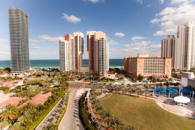 AMAZING 2 BEDROOM OCEAN VIEW IN SUNNY ISLES BEACH! - Image 1 - Sunny Isles Beach - rentals