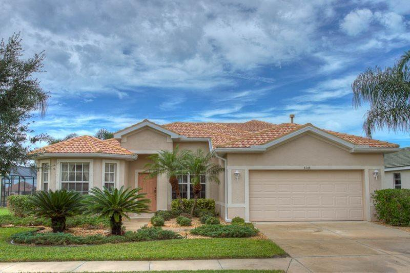 Front of Home - (HH05) Superb 5 bedroom home overlooking the 5th hole on Stoneybrook Golf Course - Bradenton - rentals