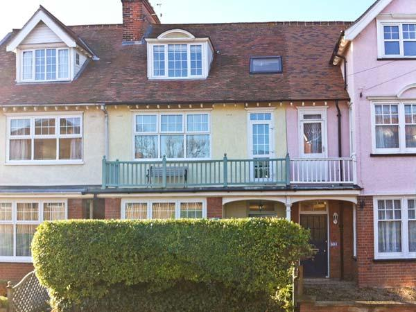 SAMPHIRE HOUSE, Victorian townhouse, with multi-fuel stove, enclosed patio garden, pet-friendly, in Mundesley, Ref 20834 - Image 1 - Mundesley - rentals
