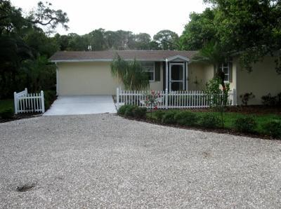 Front Entry - Coastal Cottage in Tropical Garden Paradise - Englewood - rentals