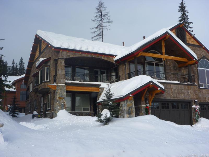 front exterior - Luxury private home on Whitefish Mountain ski run - Whitefish - rentals