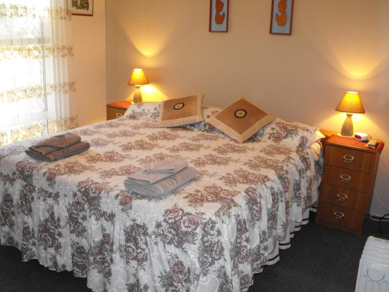 Rodericks' on Tassell Bed and Breakfast - Image 1 - Perth - rentals