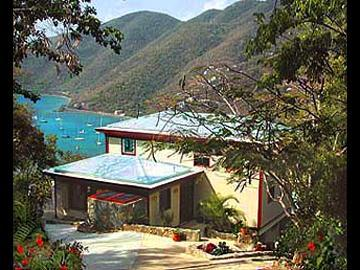 View of adventure from driveway - Adventure Villa - 3 bed 2 bath, hot tub, best deal - Coral Bay - rentals