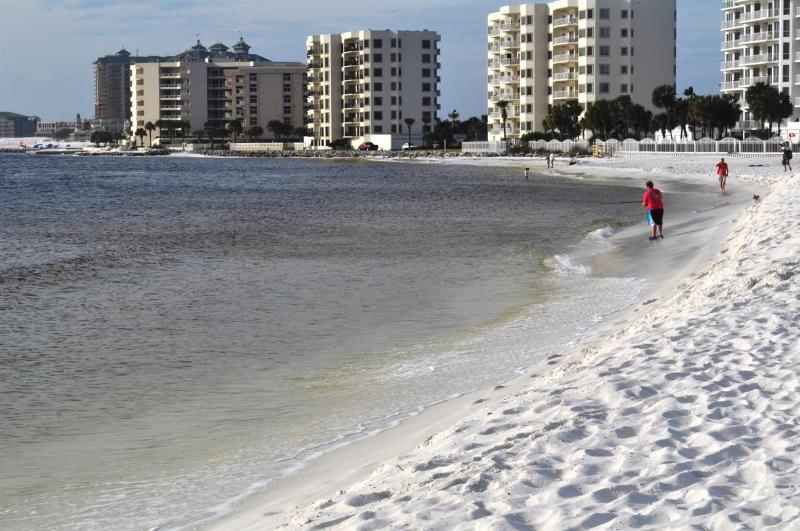 """14 Gulfbreeze Court"" Townhome close to the Jetties, Snorkel and Fishing Paradise!! - Image 1 - Destin - rentals"