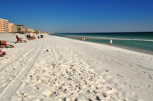 """Gulf Dunes Unit 406"" Gulf Front, New on rental market, Lot's of Openings!! - Image 1 - Fort Walton Beach - rentals"