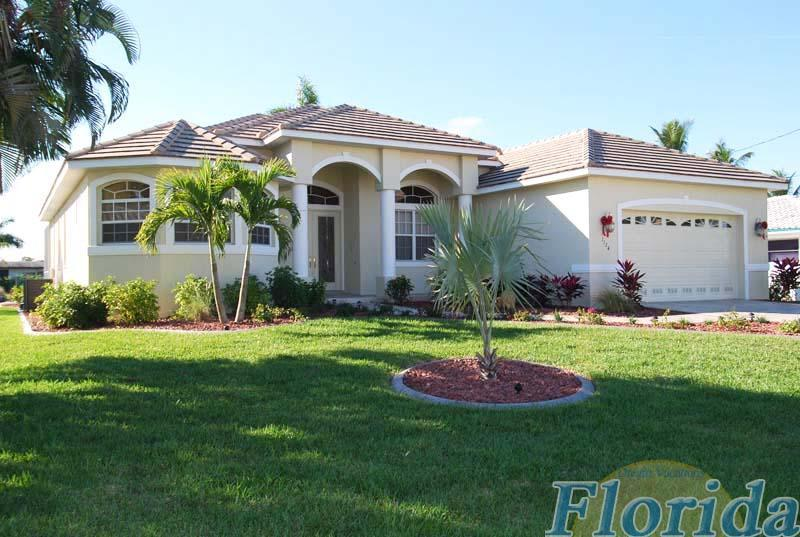 A very attractive vacation home in the popular Yacht Club area, just minutes from the river - Villa Boaters Dream - Cape Coral - rentals