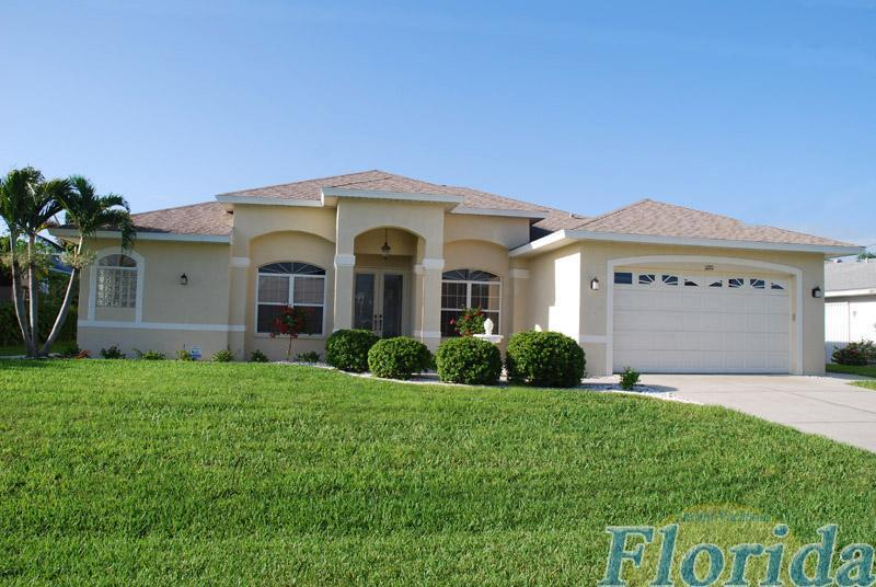 Villa Southern Paradise - loceated in the south east area of Cape Coral - surrounded by Bouganvillas, Hibiscus and Palm Trees  - Villa Southern Paradise - Cape Coral - rentals
