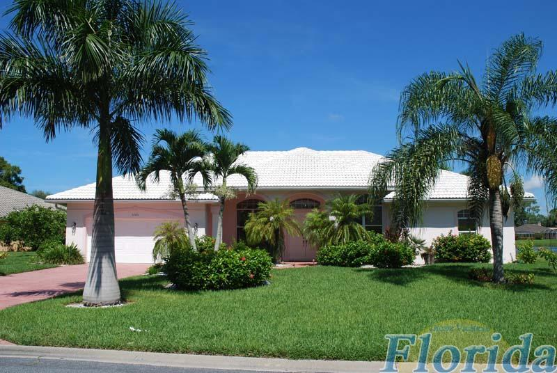 A stylish lakefront property in the Kings Lake community in Naples - Villa Duchess - Naples - rentals