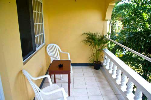 PARADISE PSI - 91447 - BARGAIN | VIBRANT | BOUTIQUE B&B | UPPER KING ROOM WITH POOL - NEGRIL - Image 1 - Negril - rentals