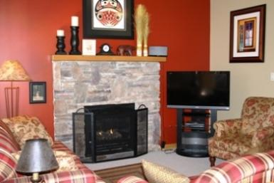 Living Room - Fairway's Cabins and Cottages - Cottage 06 - Sun Peaks - rentals