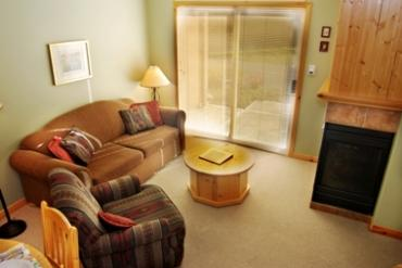 Living Room - Crystal Forest Condos - 14 - Sun Peaks - rentals