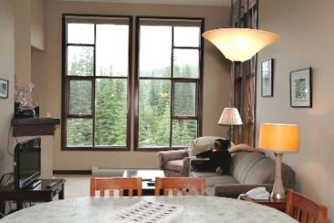Living Area - Stone's Throw Condos - 25 - Sun Peaks - rentals