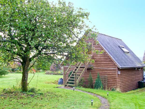 OAKELEY MYND LOFT, bright romantic studio apartment, countryside setting, walking/cycling, close Bishop's Castle Ref 20308 - Image 1 - Shropshire - rentals