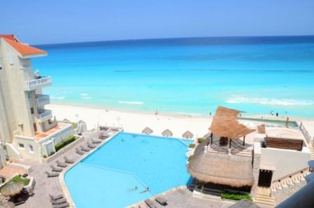 Pool and Sea from your balcony - Spectacular Loft on the Best Beach - Cancun - rentals