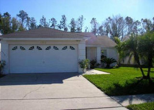 3 BED 2 BATH VACATION HOME WITH POOL AND GAME ROOM CLOSE TO DISNEY - Image 1 - Kissimmee - rentals
