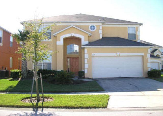 6 BEDROOM 4.5 BATH VACATION HOME WITH A PRIVATE POOL, SPA, AND GAME ROOM - Image 1 - Kissimmee - rentals