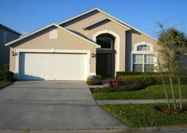 5 BED/ 3 BATH POOL VACATION HOME WITH SPA AND LAKE VIEW - Image 1 - Kissimmee - rentals