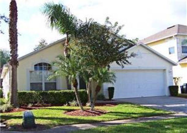 4 BEDROOM 2 BATHROOM HOME WITH A PRIVATE POOL AND SPA - Image 1 - Kissimmee - rentals