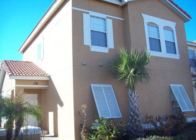 4 BEDROOM 3 BATHROOM TOWN HOME WITH POOL & LAKE VIEW - Image 1 - Kissimmee - rentals