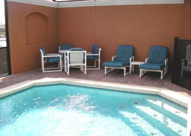 4 BED 3 BATH TOWN HOME WITH PRIVATE POOL, LAKE VIEW, IN GATED COMMUNITY - Image 1 - Kissimmee - rentals