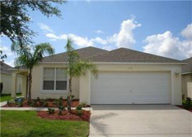 4 BED 2 BATH HOME WITH 2 MASTERS, PRIVATE POOL, IN GATED COMMUNITY - Image 1 - Haines City - rentals