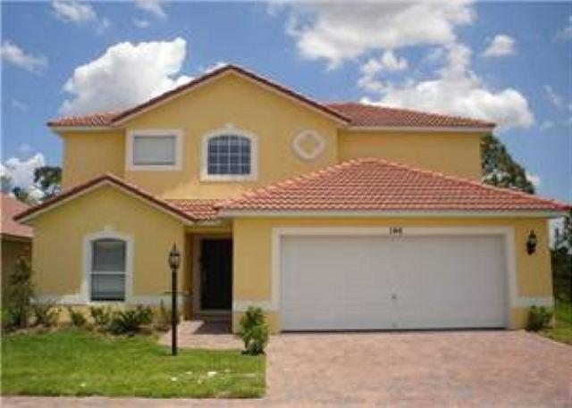 NEW 4 BED 3 BATH HOME WITH PRIVATE POOL, BACKS TO CONSERVATION, SLEEPS 10 - Image 1 - Davenport - rentals