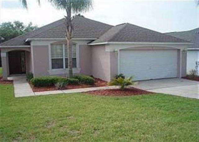 4 BED 3 BATH HOME WITH PRIVATE POOL, GATED GOLF COMMUNITY, SLEEPS 10 - Image 1 - Haines City - rentals